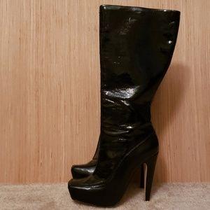 Black Platform knee high boots 😍😍😍